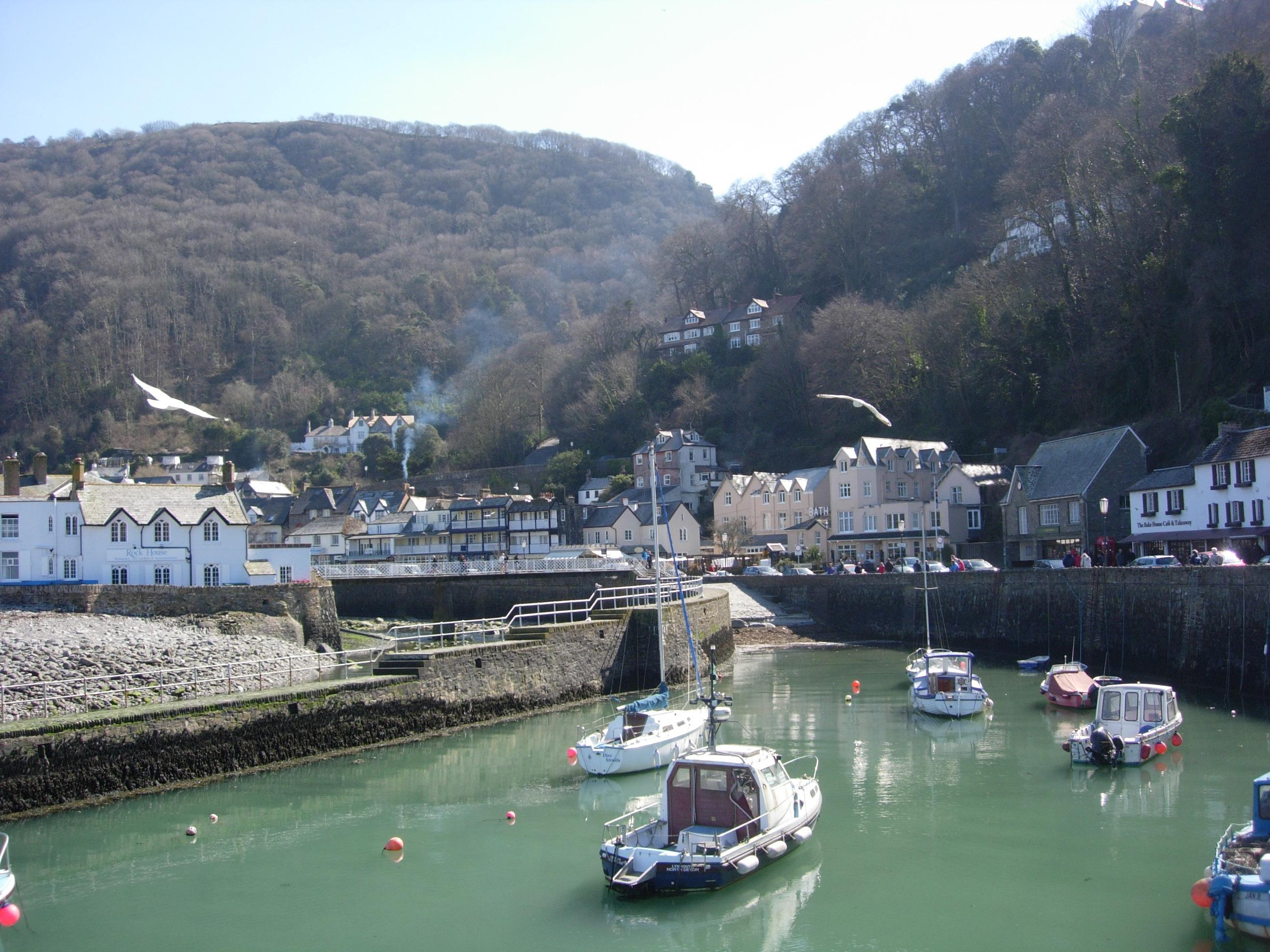 coastal-scenery-exmoor-walks-pubs-flood-railway71